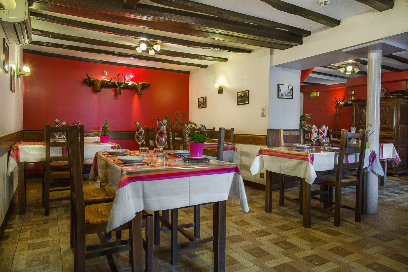 H tel restaurant erreguina site officiel meilleur prix for O meilleur prix hotel
